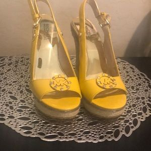💛💛Michael Kors yellow patent leather wedges